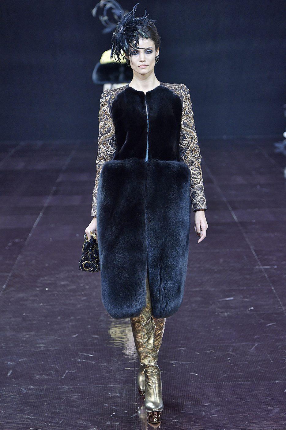Guo Pei FW 2016 - 2017 Haute Couture Paris We Are Fur