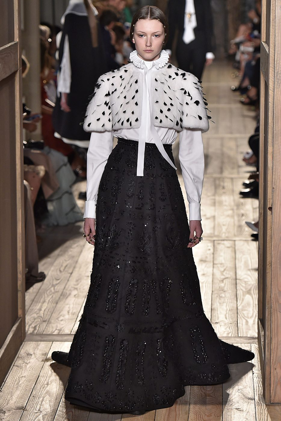 Valentino paris haute couture fall winter 2016 july 2016 for Haute couture members
